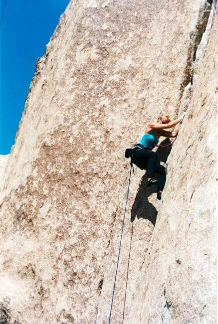 """Popes Crack"" 5.9 (Winter..."