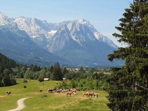 Zugspitze from Philosophenweg, Farchant