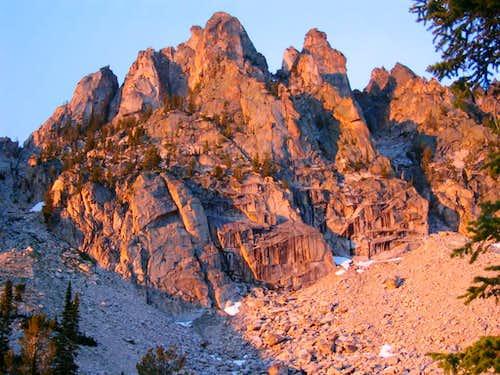 Cirque Lake Peaks