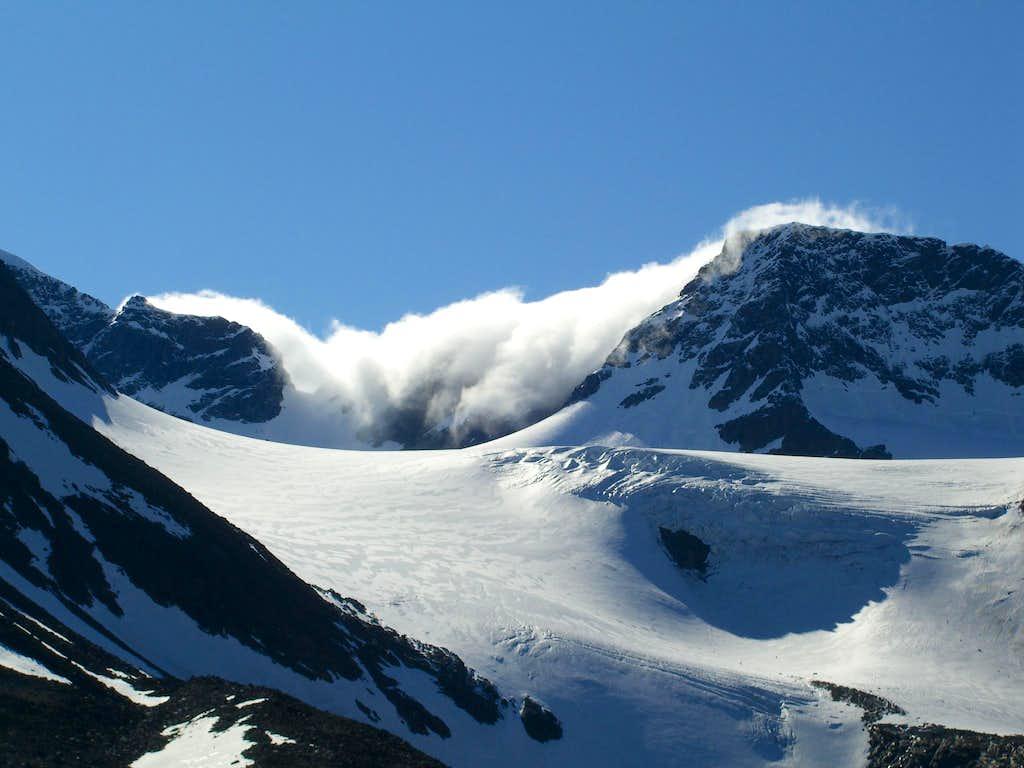 Afternoon Cloud on Isfallglaciaren