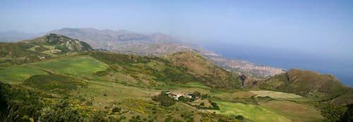 The pastures beneath the San Calògero west face
