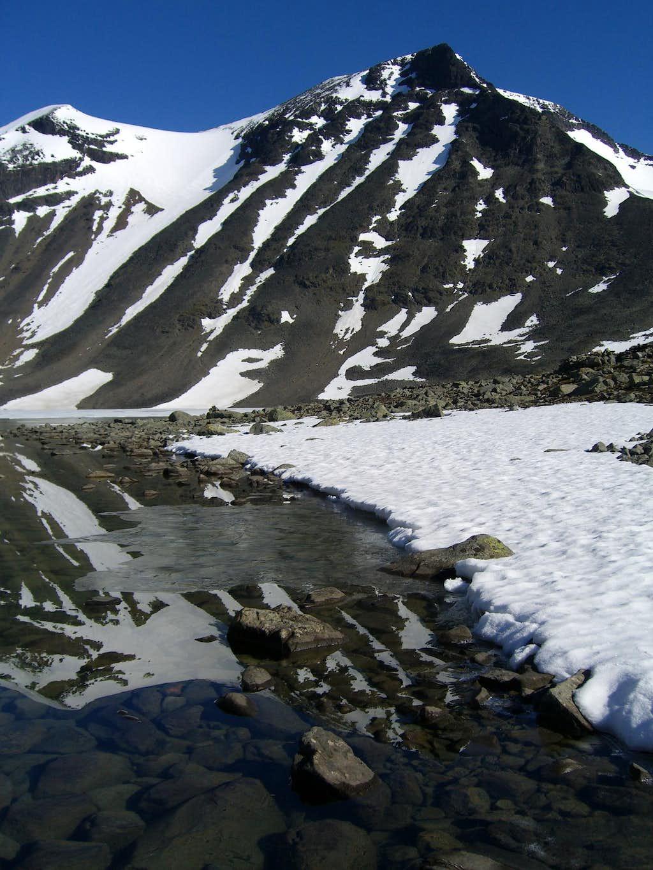 Kaskasatjåkka - snow below, snow above
