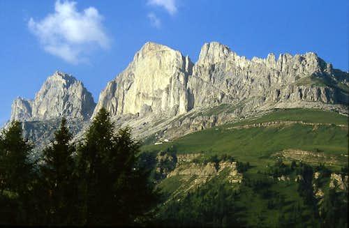 Roda di Vael and the southern sector of Catinaccio group (Rosengarten)
