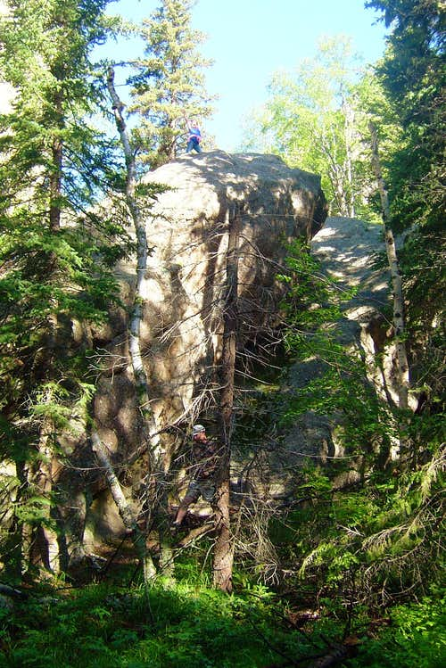 Bouldering Opportunities along Trail #4