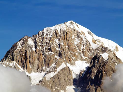 Mont Blanc <i>4810m</i> from Pietra Rossa lake<br> (July 11, 2006)