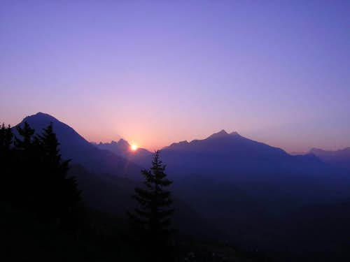 Sunrise over Leysin