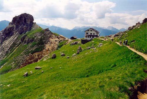 In view of Roda di Vael/Rotwand Hut