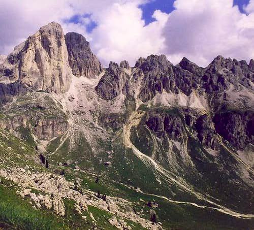 I Mugoni,  Passo delle Cigolade  and Le Cigolade  from Roda di Vael Hut