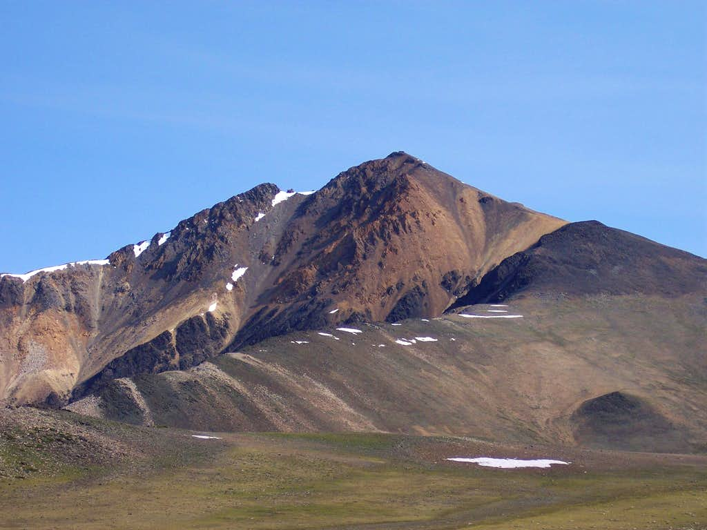 Many colors of White Mountain Peak