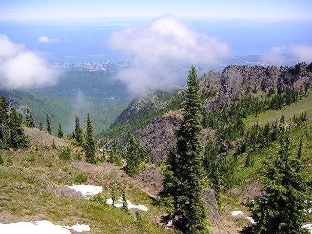 Klahhanie ridge