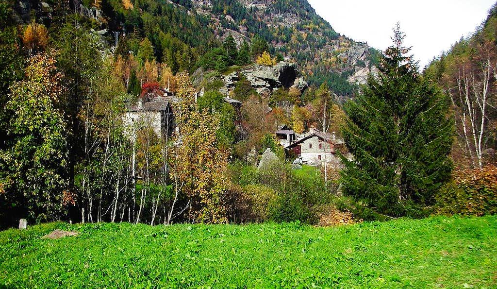 Il piccolo villaggio di Chamencon