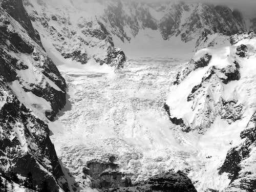 Il ghiacciaio della Brenva, visto dalla Torre Tonda