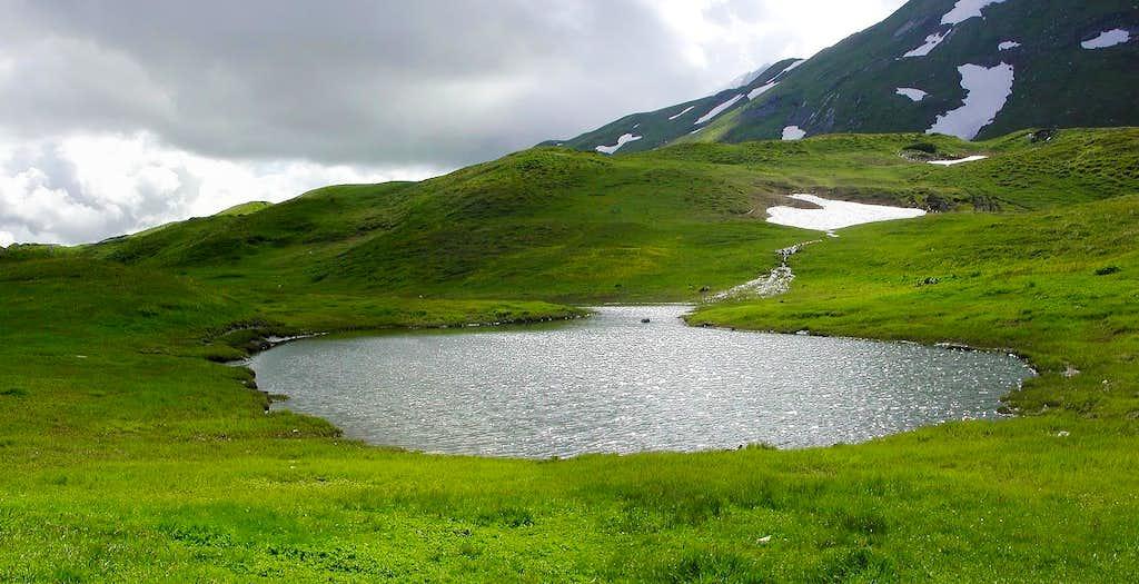 Lago del colle Piccolo San Bernardo (2180 m)