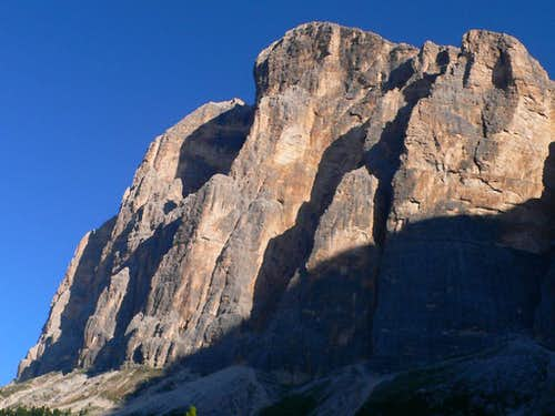 Tofana di Rozes South Face