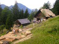 Hut Klemenca jama