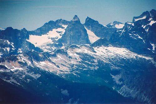 Mox Peaks fr Hozomeen