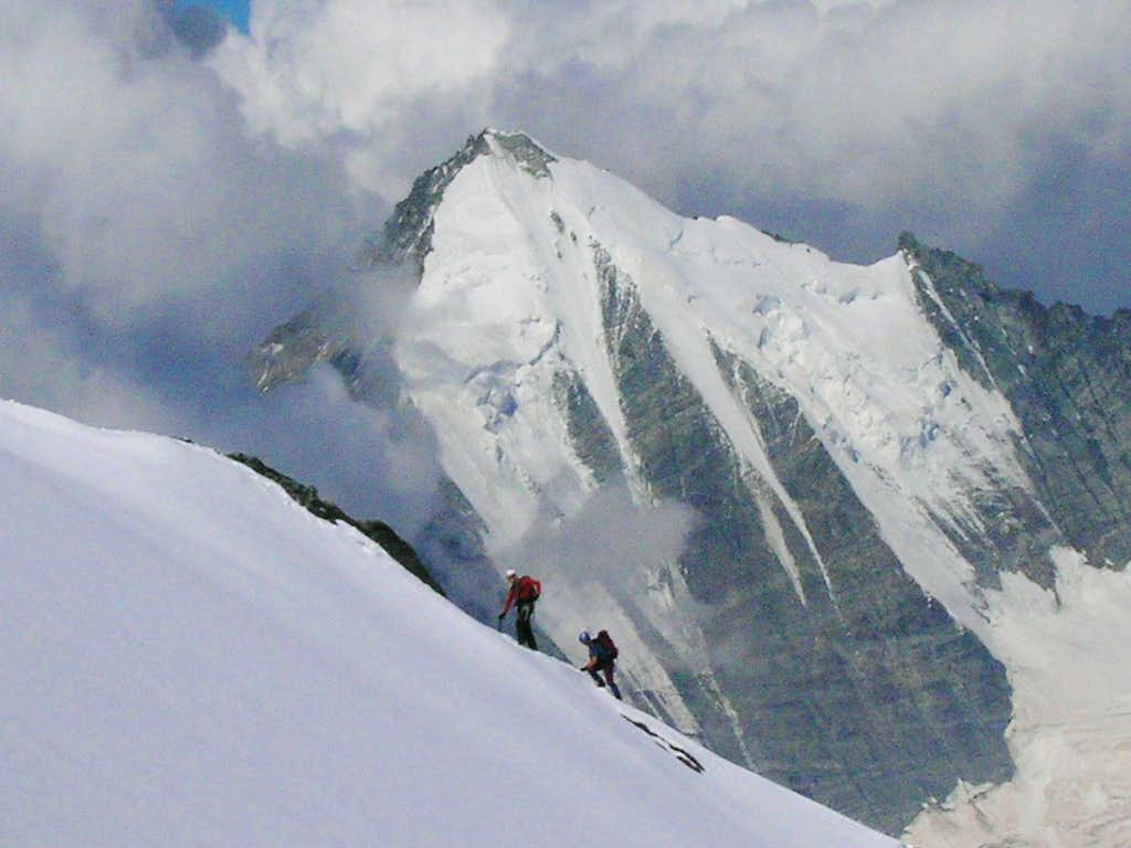 Climbers on the Festigrat
