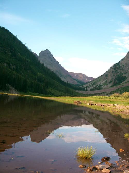 Len Shoemaker Ridge from Crater Laker