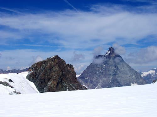 On the glacier plateau