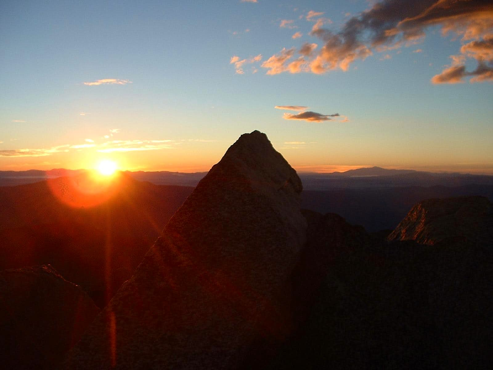 Mount Harvard Sunrise, Traverse to Columbia