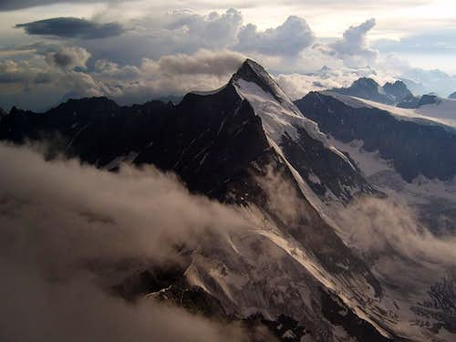 Dent d\'Herens from Matterhorn, after a storm