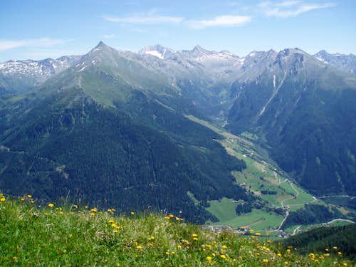 View on Maresenspitz from somewhere around Lonzakopfl