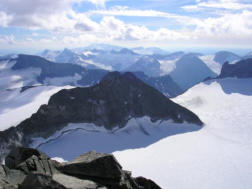 Galdhøpiggen summit view