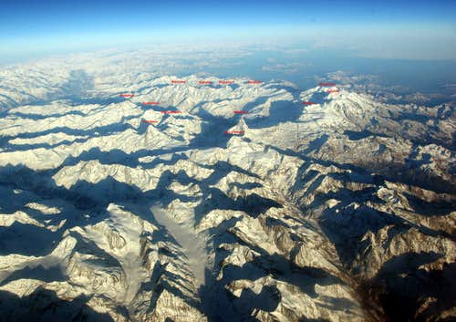 Pennine Alps by air overview (II/II)- labeled