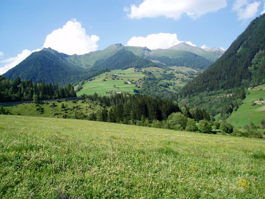 Auernig, Torlopf and Maresenspitze from Lassach