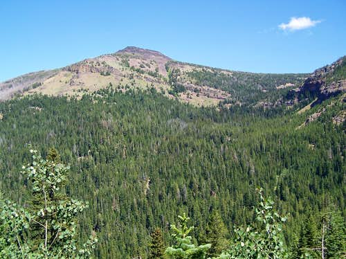 Slide Mountain as seen from Slide Basin trail
