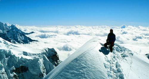Nearing Cholatse's summit