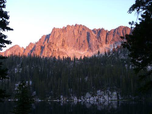 peak 9140 at sunset