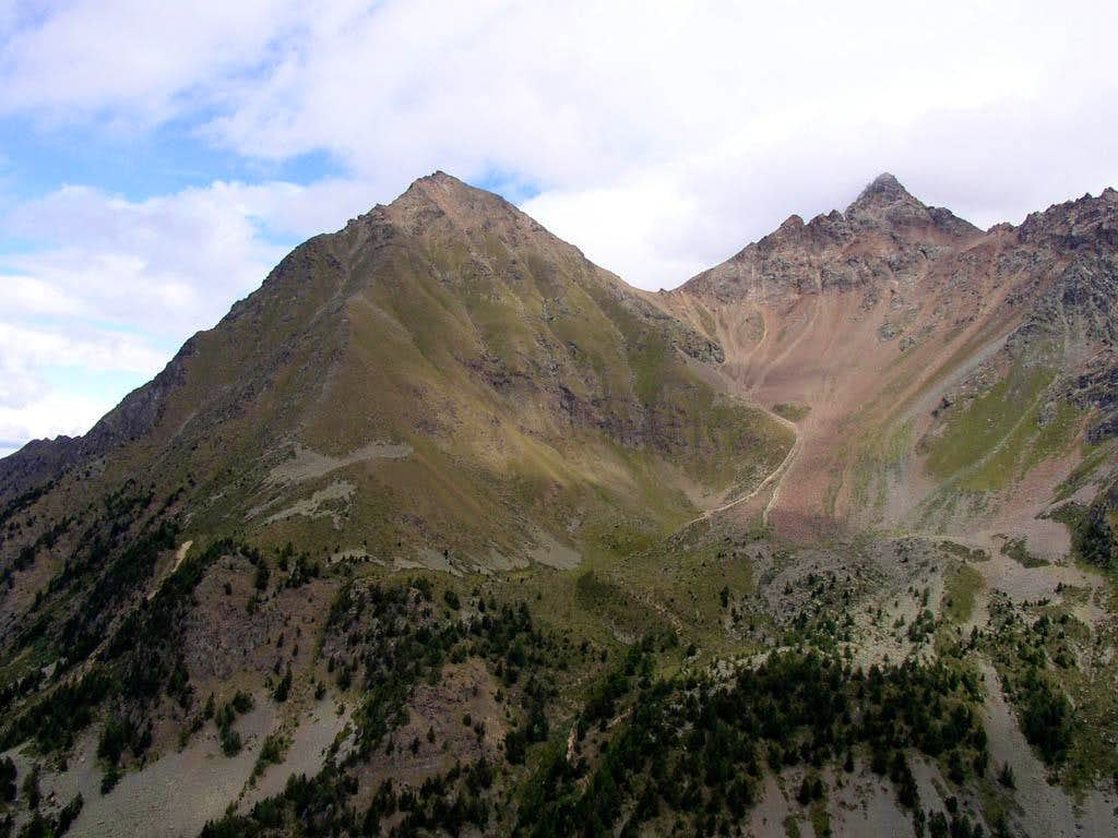 Becca Di Nona near Col De Chamolè
