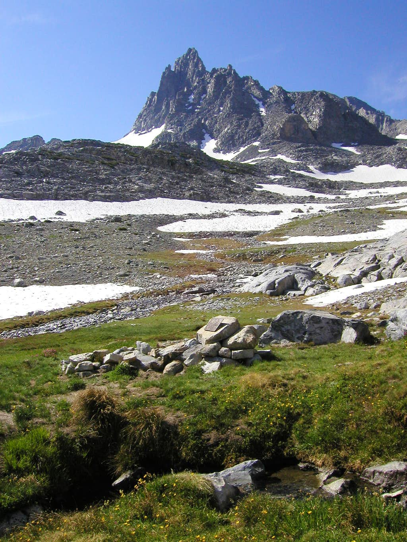 Banner Peak from the Rettenbachers' grave