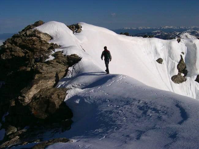 The ridge begins to narrow....