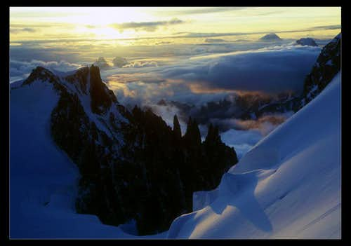 Sunrise above Mt.Blanc du Tacul...