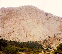 The central part of Kouvelos wall.It's a 400m wall with plenty of traditional climbing routes,most of them very difficult