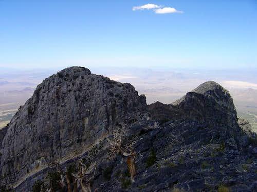 Peaks just to the NE of Macks