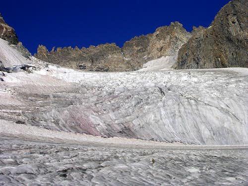 Coole Gendarmes above Dinwoody Glacier