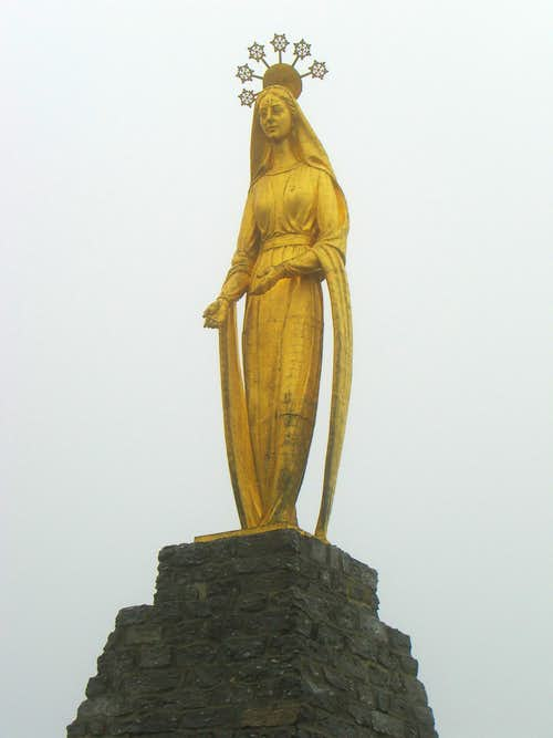 Statue at Monte Moro Pass