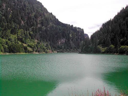 the lake of Isola