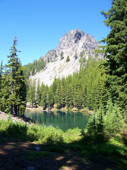 Mt Yoran from Divide lake.