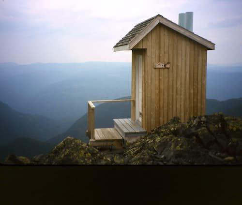 A beatiful spot to drop a load.