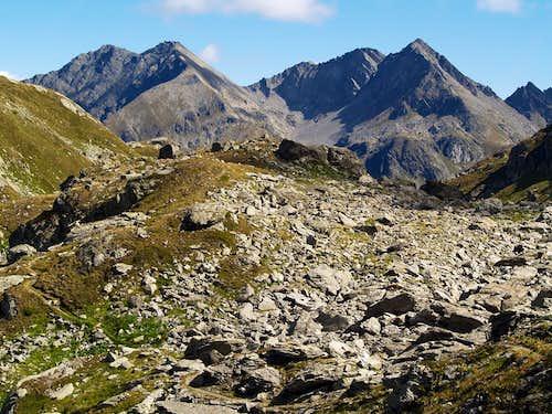 Il Mont Colmet (3024 m) e il Mont Lussé (3055 m)