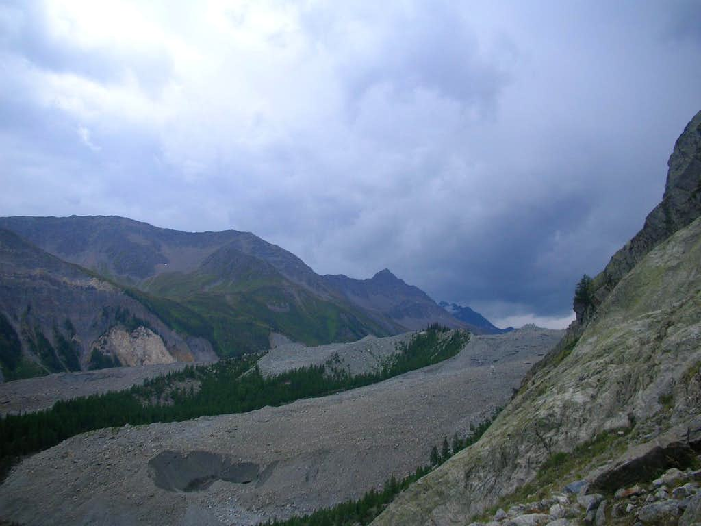 How a Storm Comes to Mt. Blanc (pic 4)