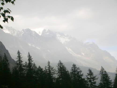 How a Storm Comes to Mt. Blanc (pic 5)