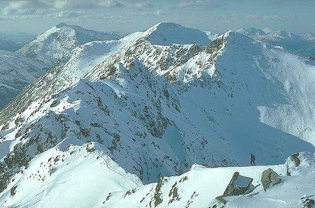Looking West along the ridge.