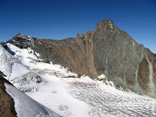 Grivola  (3.969m)  SE face - normal route from bivouac Gratton