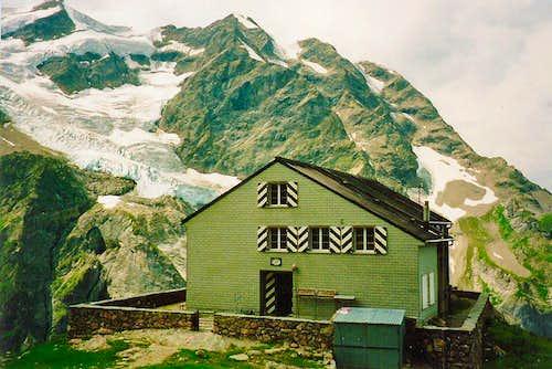 Gleckstein Hut