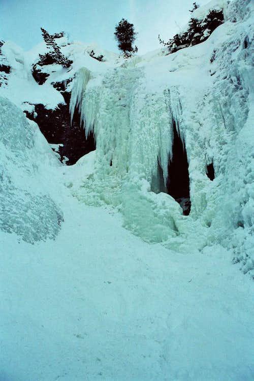 Sylvenstein Waterfalls WI 2 - WI 4